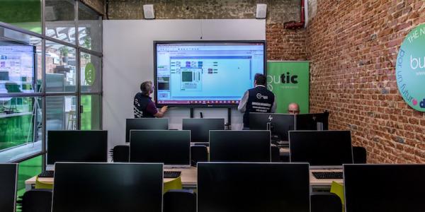 Instalación Audiovisual y Sonido DANTE en Academia Tecnológica BUTIC