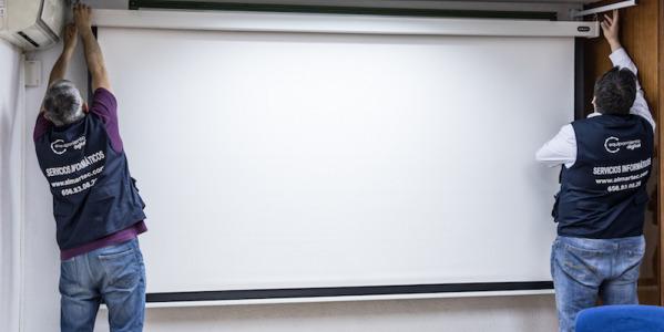 Instalación Sistema de Proyección y sonido en Academia Innova en Madrid